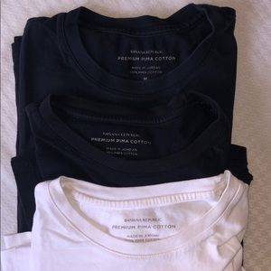 3 pack banana republic premium Pima cotton t shirt